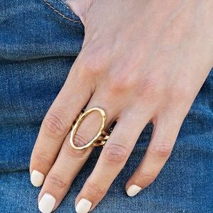 Center Chic Gold Stretchy Ring